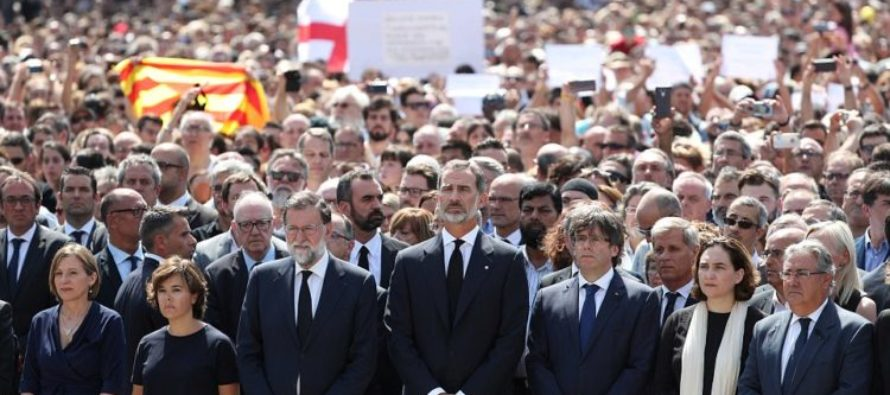 "King Felipe Leads Minute's Silence In Remembrance Of Those Killed By Terror Yesterday: ""We Are Not Afraid"""