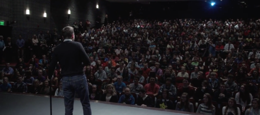 """10,000 Students Just Got Schooled On What """"Freedom Of Speech"""" Is And It's Beautiful [VIDEO]"""