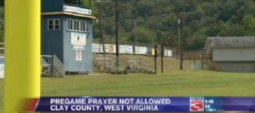 School Bans Prayer At Sports Games – Rendered Speechless When Football Team Responds