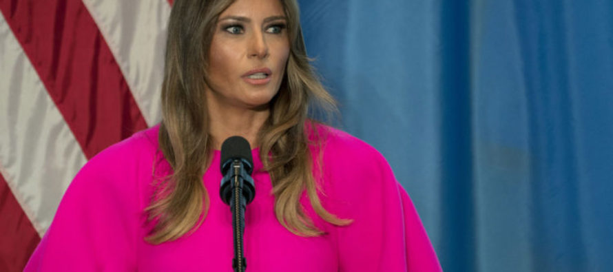Melania Shows Up To UN And Gets Cyber Bullied By Liberals Over Her Dress – Do You Like It?