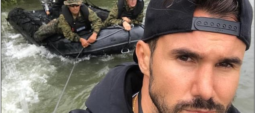 "Handsome First Responder Being Called ""RescueBae"" Saves Several From Harvey Floods"