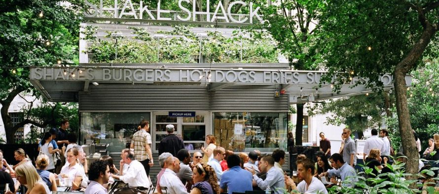 Shake Shack to replace counter staff with touchscreens in new 'robostore'