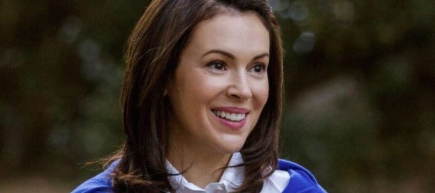 Alyssa Milano Will Take Fight Against Trump 'To The Streets' If Mueller Is Fired