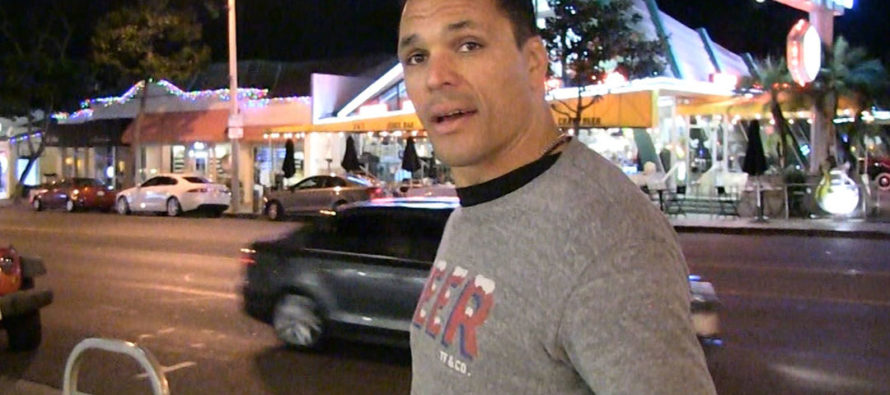 NFL legend Tony Gonzalez: Colin Kaepernick Will Never Play in the NFL Again