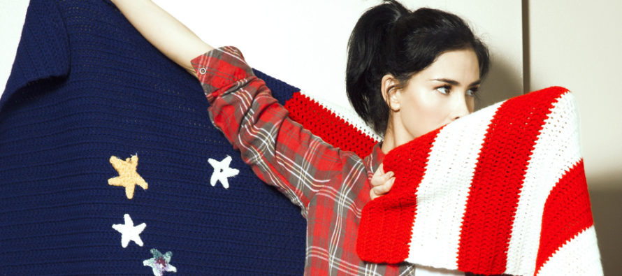 """STOP IT! Sarah Silverman """"Scared And Shaken"""" at The Sight of Our Flag [VIDEO]"""