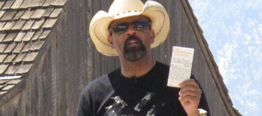 """Sheriff Clarke to Face Trial For Calling a Man a """"Snowflake"""" on Facebook [VIDEO]"""